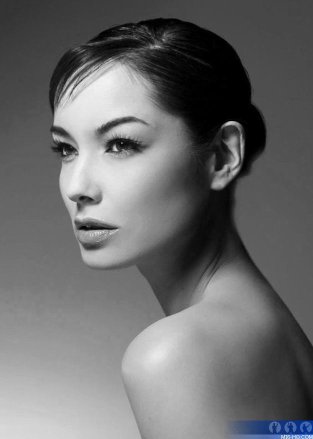 Berenice Marlohe - Beautiful HD Wallpapers