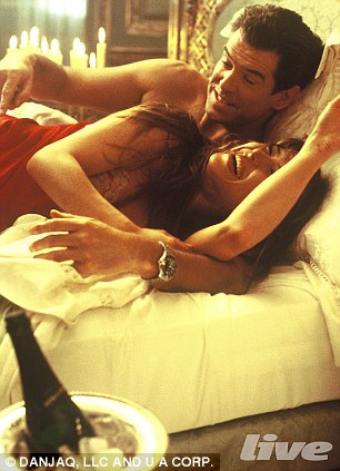 casino royale kissing scene